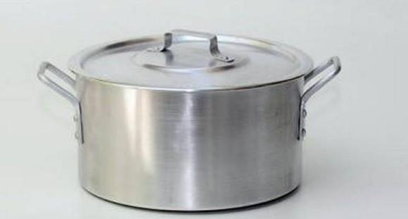 A-panela-de-aluminio-e-prejudicial-a-saude